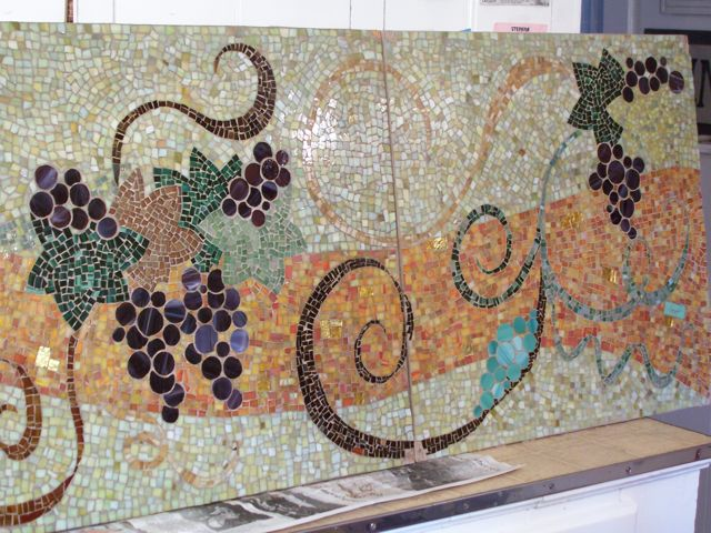 grapes, leaves wine table mosaic design